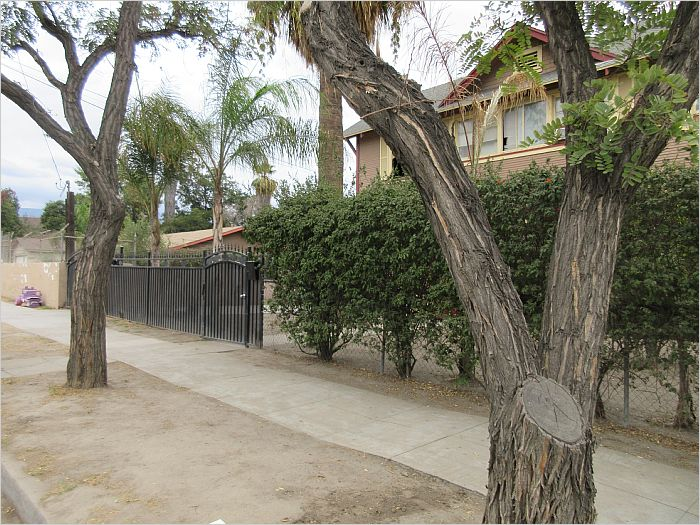 Elfyer - SAN BERNARDINO, CA House - For Sale