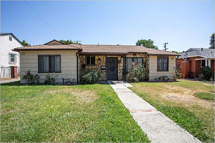 Elfyer - Reseda, CA House - For Sale