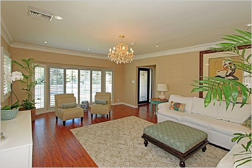 Elfyer - Carthay Circle, CA House - For Sale