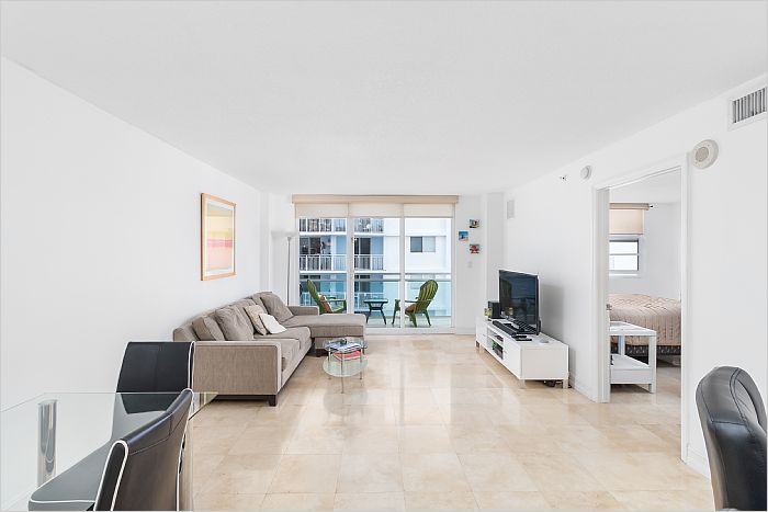 Elfyer - Miami Beach, FL House - For Sale