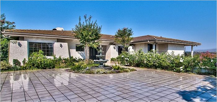 Elfyer - Fallbrook, CA House - For Sale