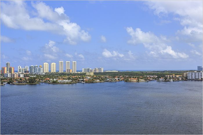 Elfyer - Aventura, FL House - For Sale