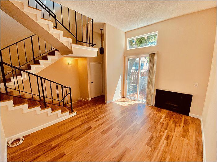 Elfyer - Valley Villiage, CA House - For Sale