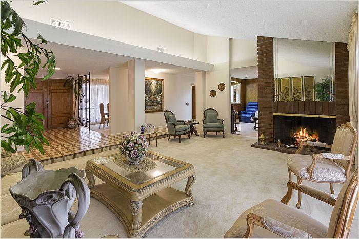 Elfyer - Northdige, CA House - For Sale