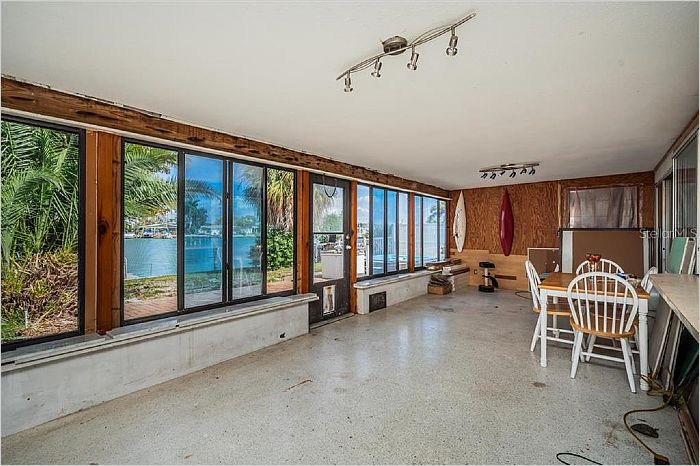 Elfyer - TREASURE ISLAND, FL House - For Sale