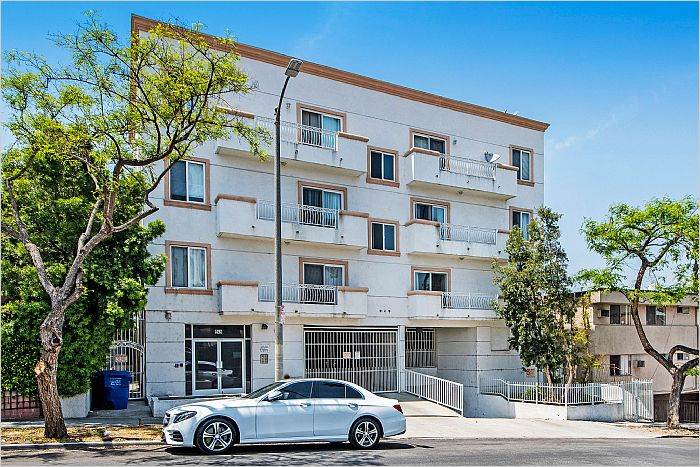Elfyer - Koreatown, CA House - For Sale