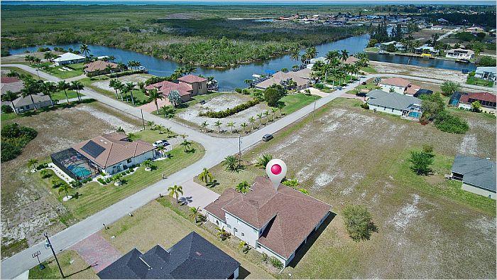 Elfyer - Cape Coral, FL House - For Sale