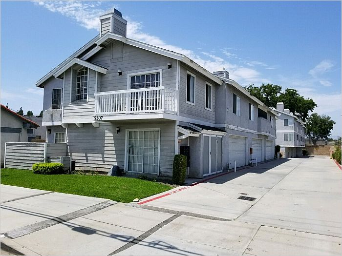Elfyer - Bellflower, CA House - For Sale