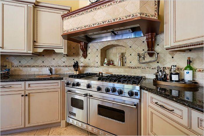 Elfyer - Santa Clarita, CA House - For Sale