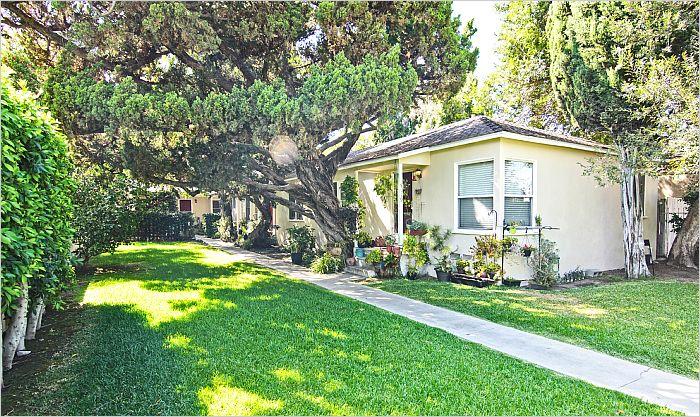 Elfyer - VALLEY VILLAGE, CA House - For Sale
