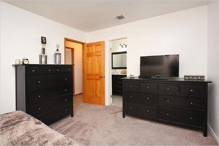 Elfyer - Littlerock, CA House - For Sale