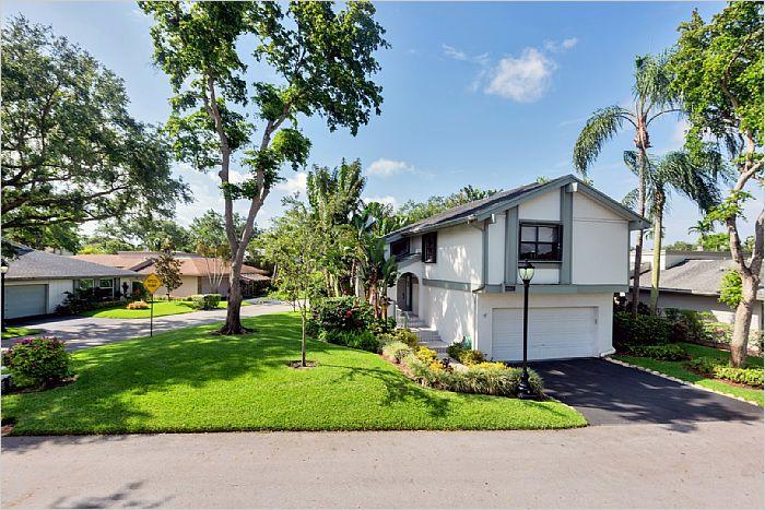 Elfyer - Hollywood, FL House - For Sale