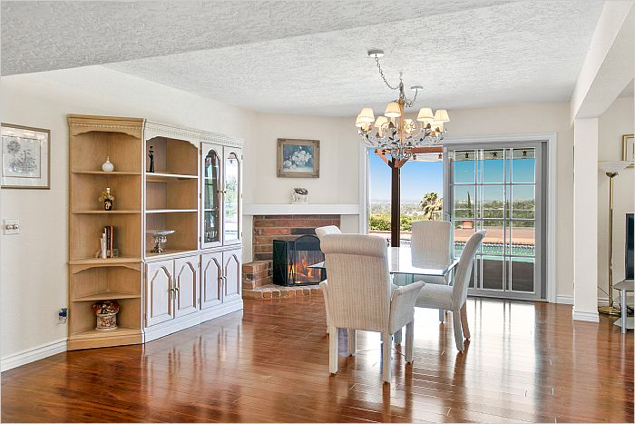 Elfyer - Woodland Hills, CA House - For Sale