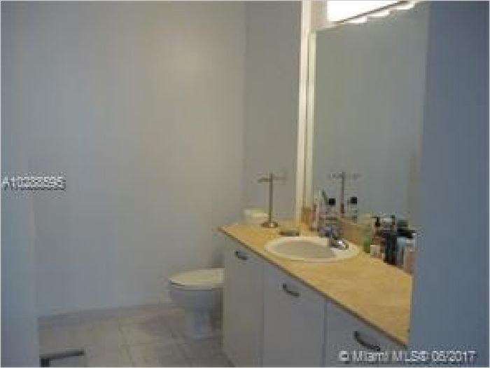 Elfyer - Edgewater, FL House - For Sale