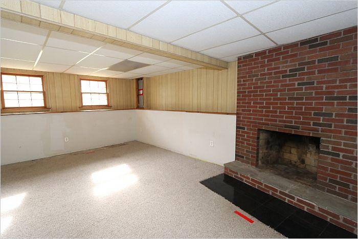Elfyer - ELLINGTON, CT House - For Sale
