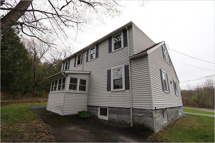 Elfyer - THORNDIKE, MA House - For Sale