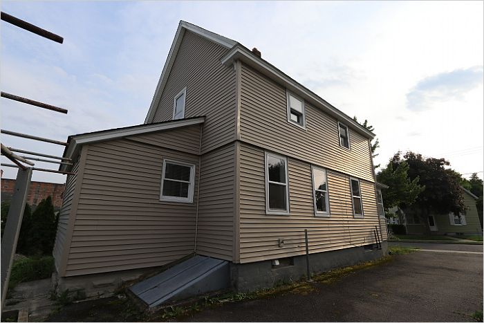 Elfyer - LUDLOW, MA House - For Sale