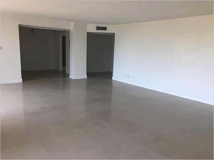 Elfyer - NORTH MIAMI BEACH, FL House - For Sale