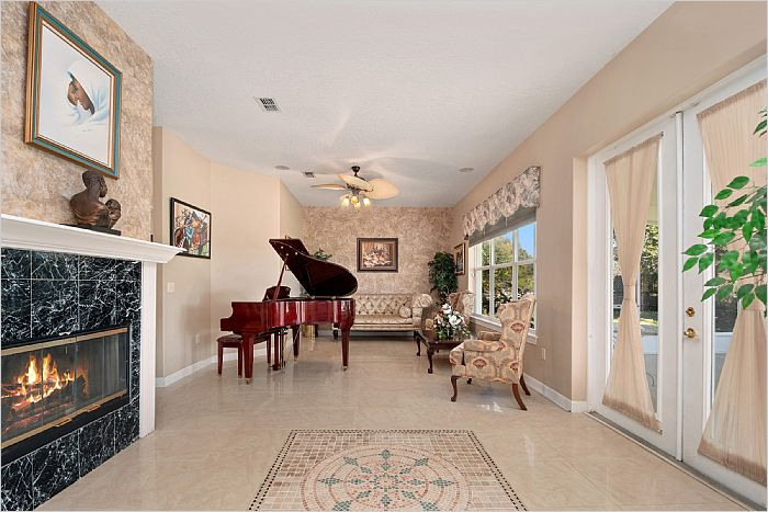 Elfyer - Umatilla, FL House - For Sale