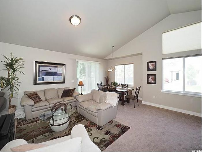 Elfyer - Riverton, UT House - For Sale