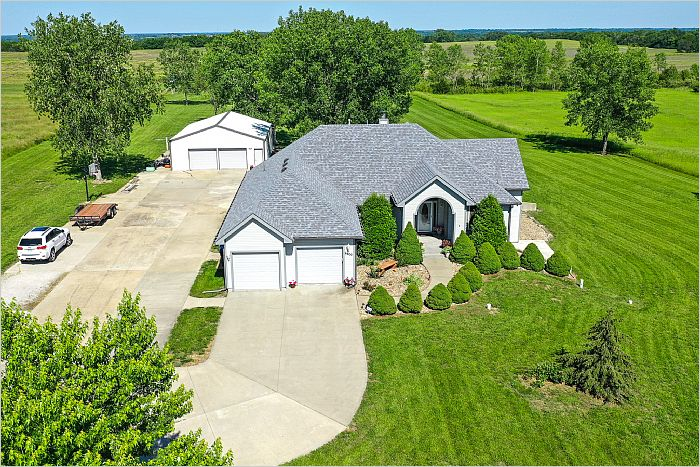 Elfyer - Topeka, KS House - For Sale