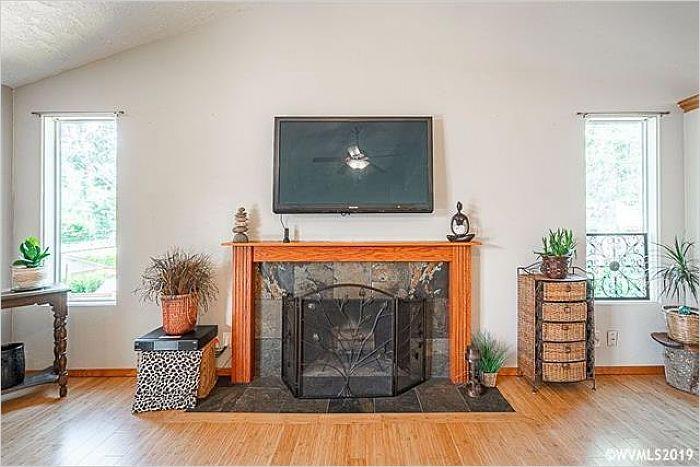 Elfyer - Salem, OR House - For Sale