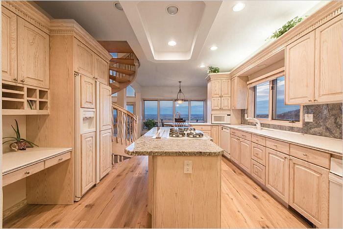 Elfyer - Lakewood, CO House - For Sale