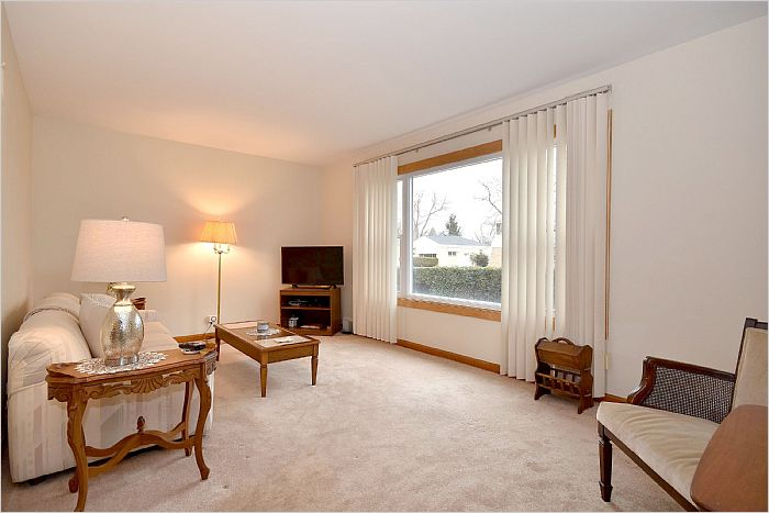 Elfyer - Westchester, IL House - For Sale